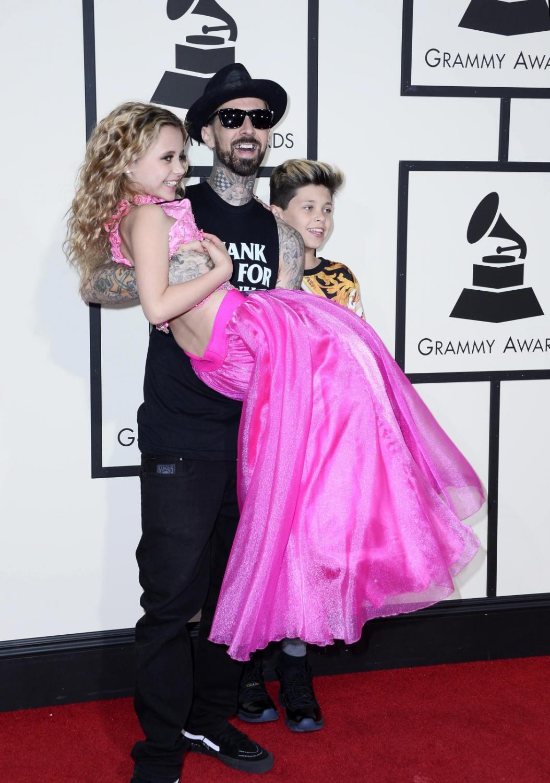 Najzabawniejsze zdjęcia z Grammy 2016: Travis Barker z dziećmi
