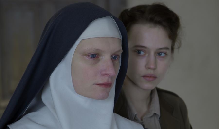 Agata Buzek i Lou de Laâge w dramacie \