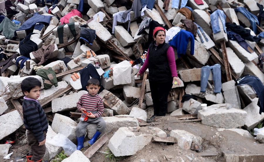 Imigranci w obozie w Idomeni