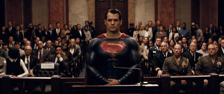 """Henry Cavill w filmie """"Batman v Superman: Świt sprawiedliwości"""""""