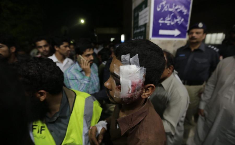 Zamach w pakistańskim Lahore. Terrorysta-samobójca wysadził się w tłumie