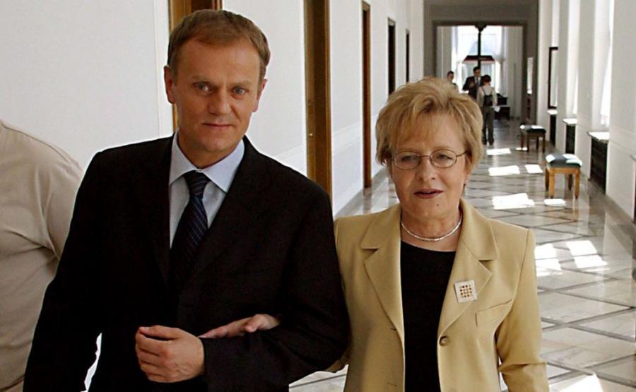 Na zdjęciu archiwalnym z 02.06.2004 r. ówczesny szef Platformy Obywatelskiej Donald Tusk i Zyta Gilowska