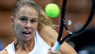 Magda Linette w pojedynku z Francuzką Pauline Parmetier w ćwierćfinale turnieju tenisowego WTA w Katowicach