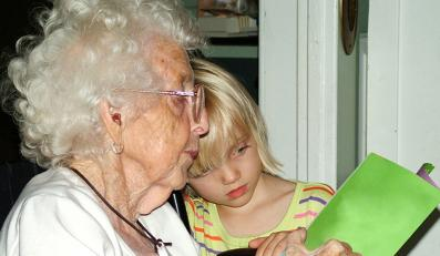 Babcia zarobi na wnukach
