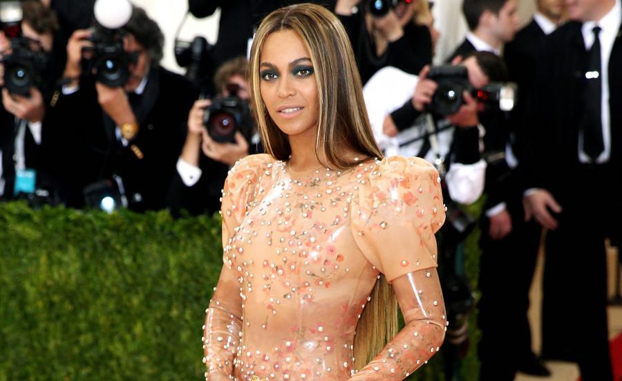 Czerwony dywan pełen gwiazd. Beyoncé na Met Gala 2016