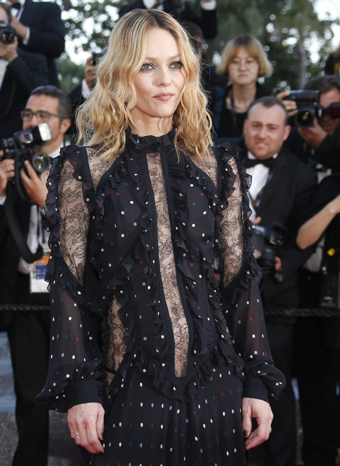 "Tajemnicza jurorka Vanessa Paradis na premierze filmu ""Mal de Pierres"" (""From the Land of the Moon"")"