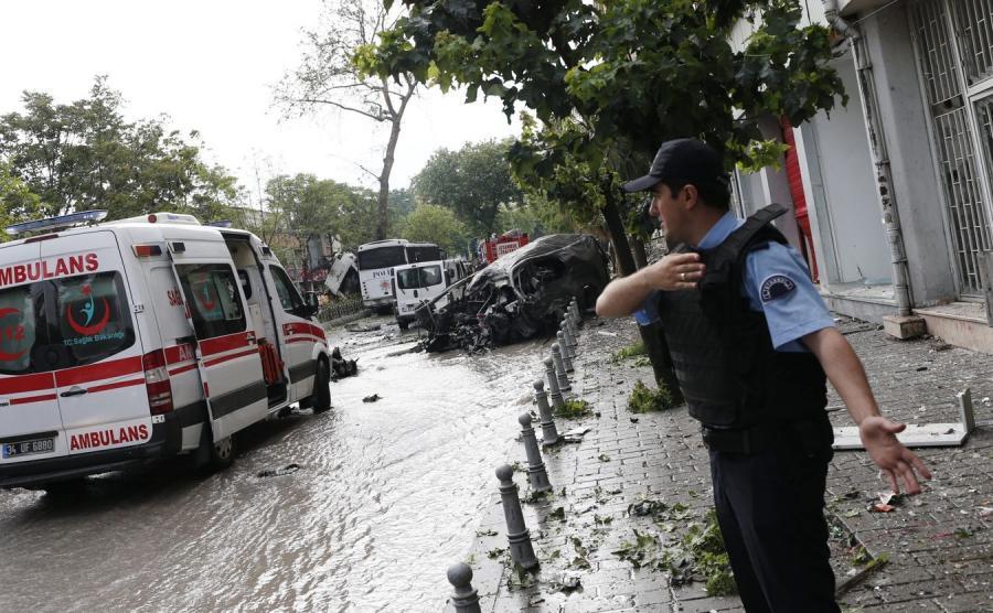 Zamach bombowy w Stambule