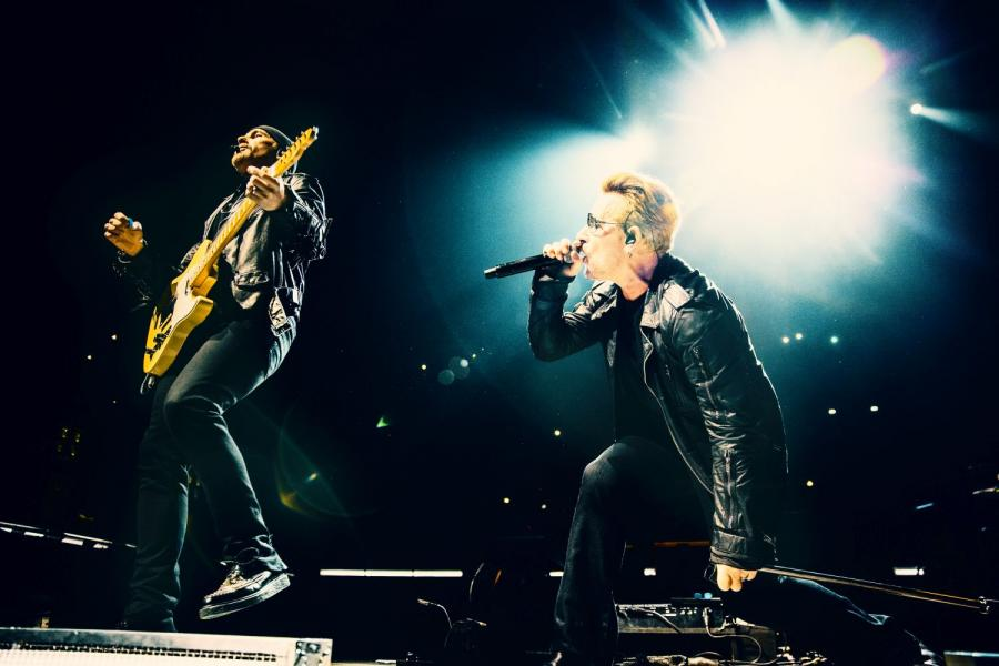 "U2 powrót do Paryża. RECENZJA albumu DVD ""iNNOCENCE + eXPERIENCE – Live In Paris"", Italo Disco, Euro Disco, 80's, 90's, radio station"