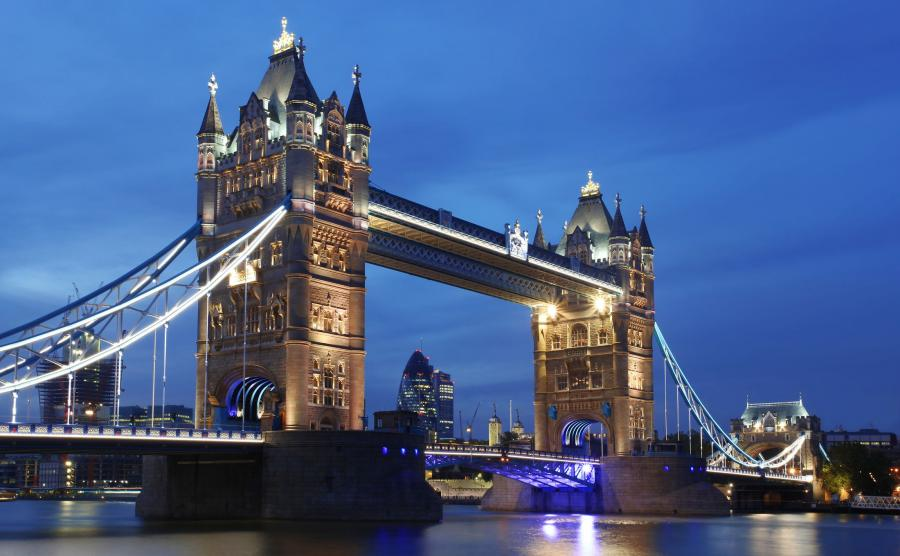 Tower Bridge nocą