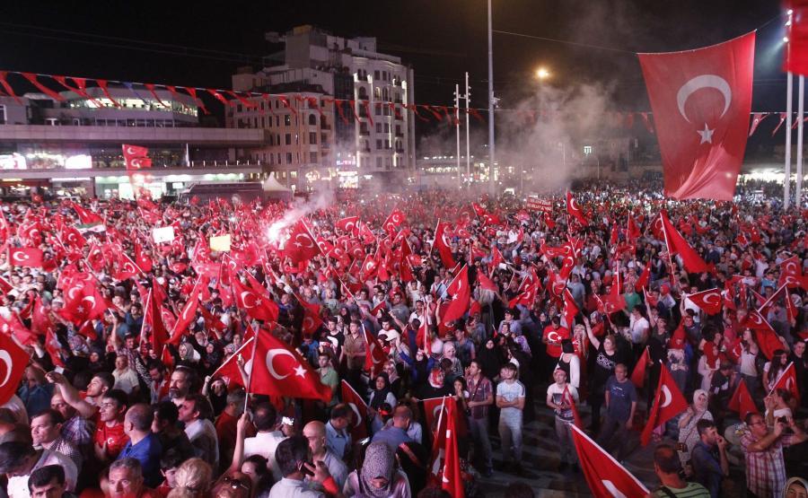Protest przeciwników wojskowego zamachu stanu