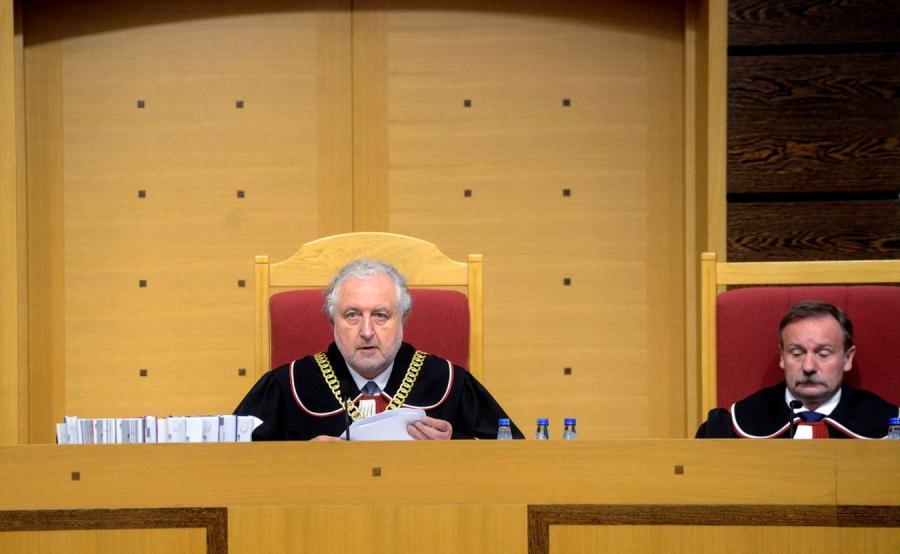 Prezes TK Andrzej Rzepliński i sędzia Piotr Pszczółkowski