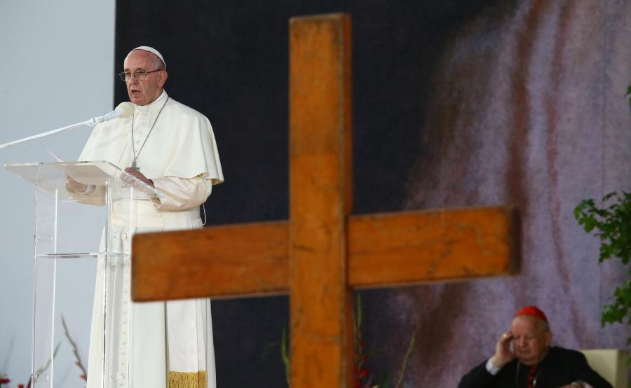 Papież podczas homilii wygłoszonej na zakończenie Drogi Krzyżowej