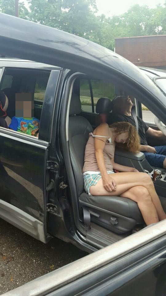 Para pod wpływem heroiny wiozła w samochodzie dziecko