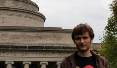 23-letni Polak Jerzy Szabłowski twórcą żywego monitora z drożdży