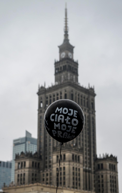"""""""Czarny protest"""" w Warszawie"""