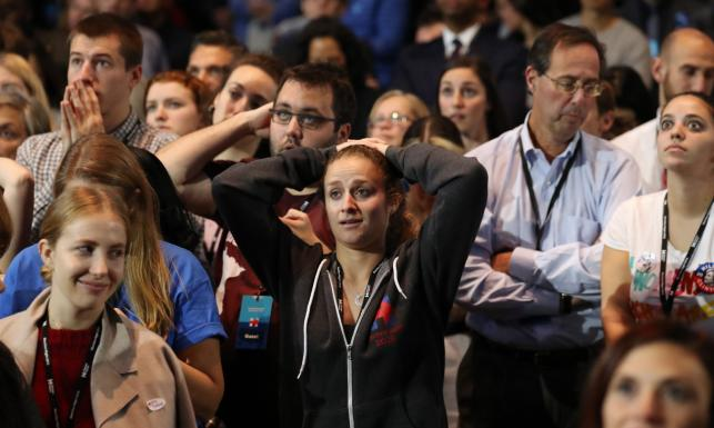 Rozpacz, niedowierzanie, szok... Sztab Hilary Clinton nie wierzy w to, co się dzieje