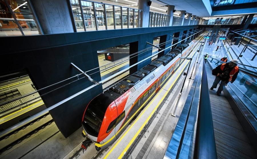 Nowoczesny podziemny dworzec Łódź Fabryczna czeka na otwarcie