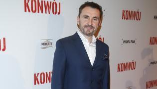 """Maciej Żak, reżyser filmu """"Konwój"""" na uroczystej premierze swego dzieła"""