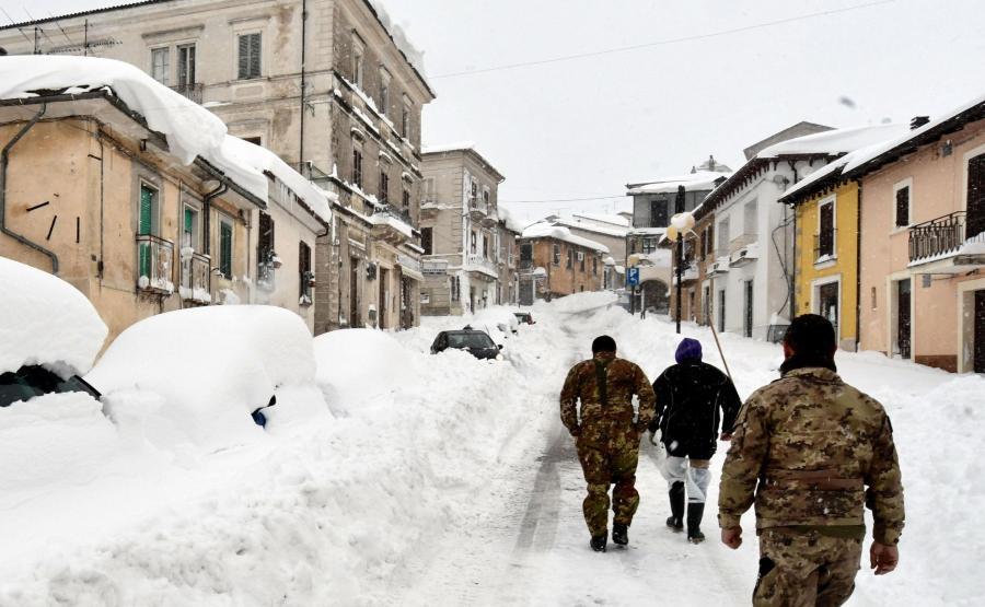 Zima we Włoszech. Śnieg zasypał wioskę Campotoso