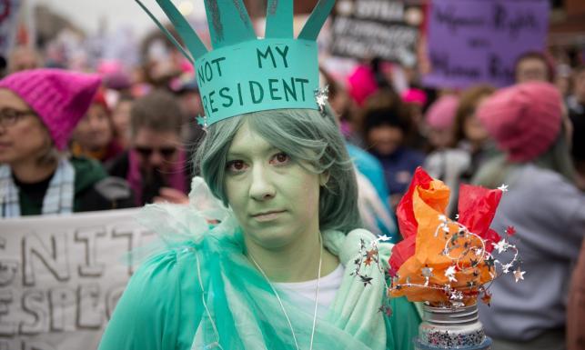 Setki tysięcy uczestników Marszu Kobiet w Waszyngtonie. Protestują przeciwko planom Trumpa