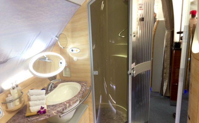 Kabina prysznicowa na pokładzie A380