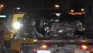 Zniszczona limuzyna szefowej rządu